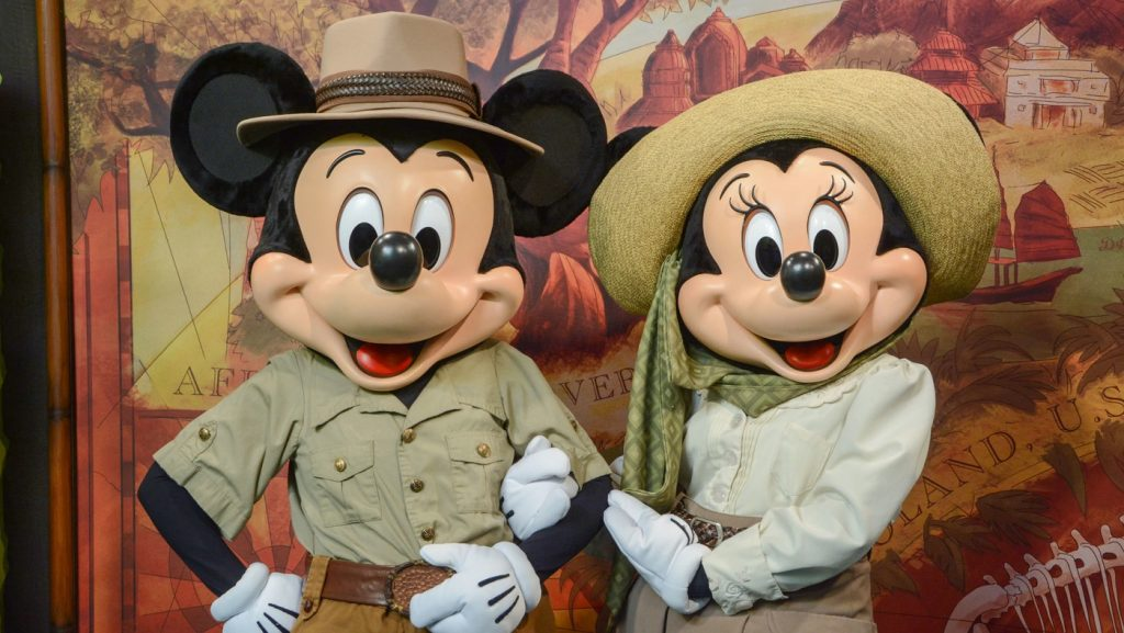 Minnie e Mickey no Adventures Outpost